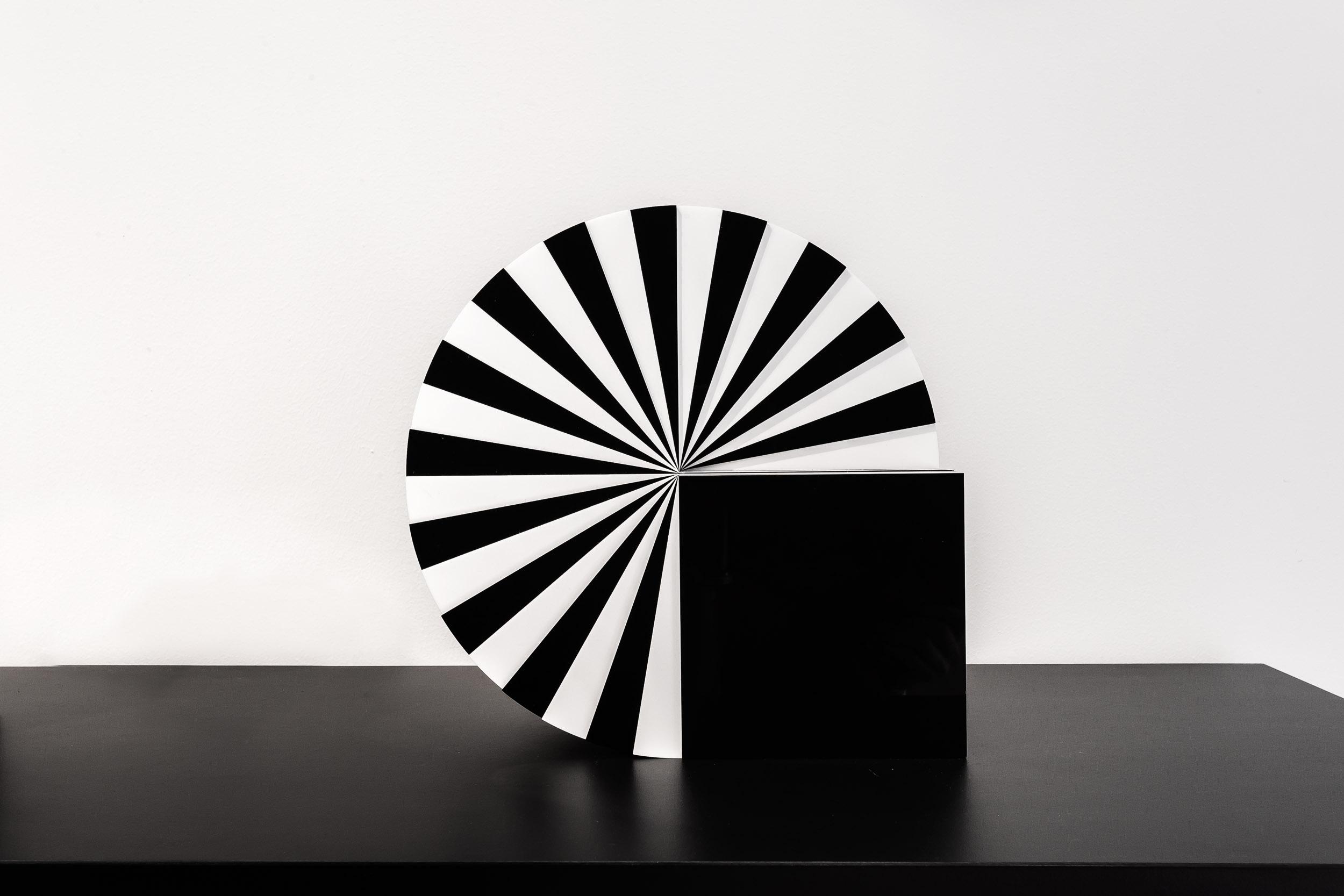 Marcello Morandini, Scultura 563, , 2010, diameter 30 x 16,5 cm, plexiglas, edition of 9 pieces