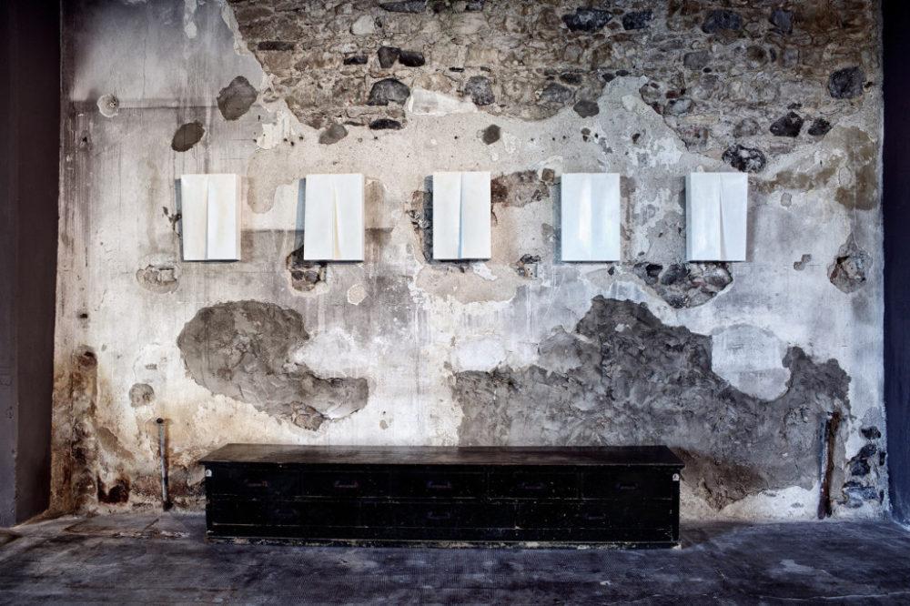 Installation view of Mats Bergquist. Allt Vad Vi Onskat Sonderkysst. Tutto quello che abbiamo sempre desiderato. Consumato di baci (solo show), curated by Alfonso Cariolato, May - July 2015, Atipografia Arzignano (VI)